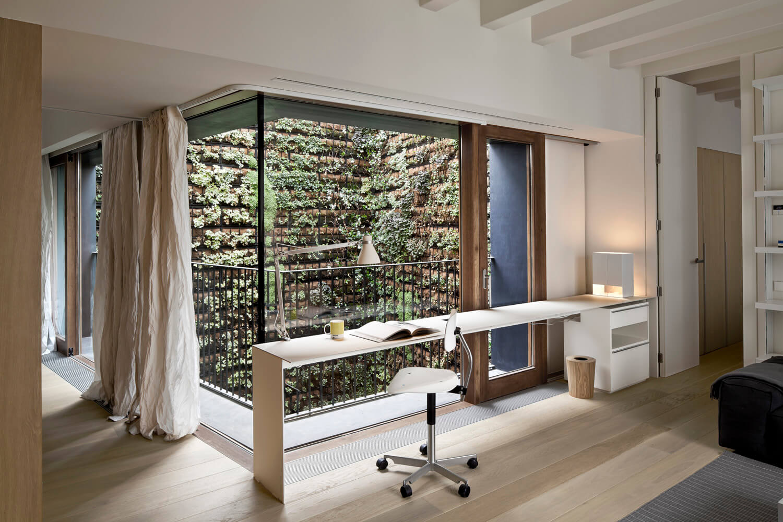 planell-hirsch_arquitectura_rehabilitacion_interiorismo_barcelona_born_mirallers_interior-sala-patio_adriagoula_1866